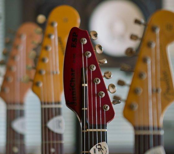 5 best acoustic guitars mar 2018 bestreviews. Black Bedroom Furniture Sets. Home Design Ideas